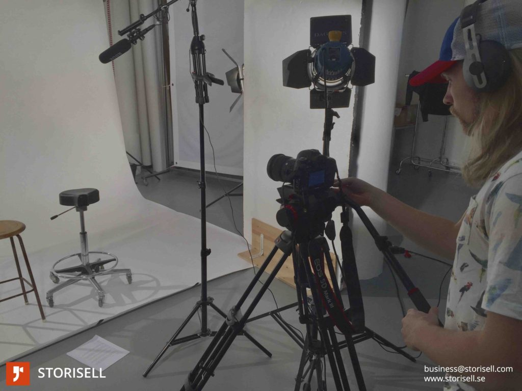 Studio Interview Video. Get your employees, customers or partners in front of a camera in a professional studio and create authentic content for your website, sales channels and newsletters.
